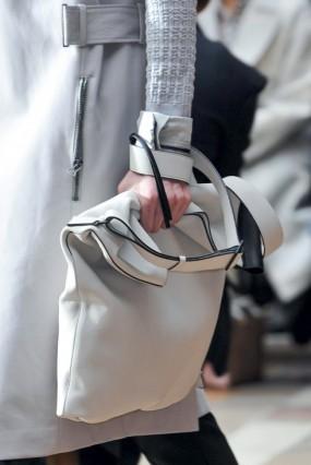 Túi xách cầm tay Lanvin