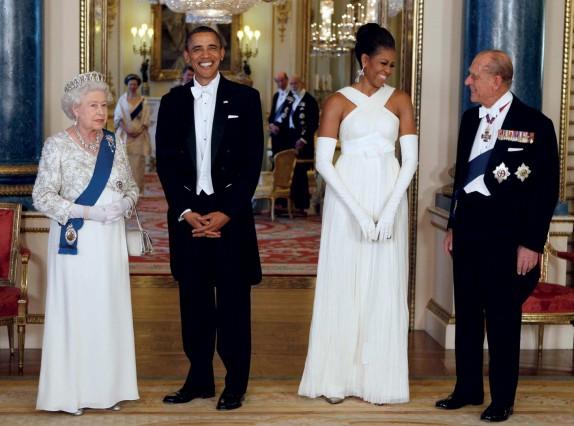 Cách phối đồ cho nam theo dresscode white tie như Obama
