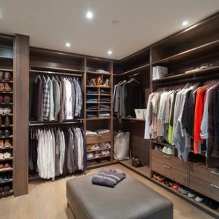 4 cách sắp xếp tủ quần áo thông minh