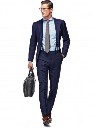 Cách phối phụ kiện với áo vest nam màu xanh để trở thành người sành điệu