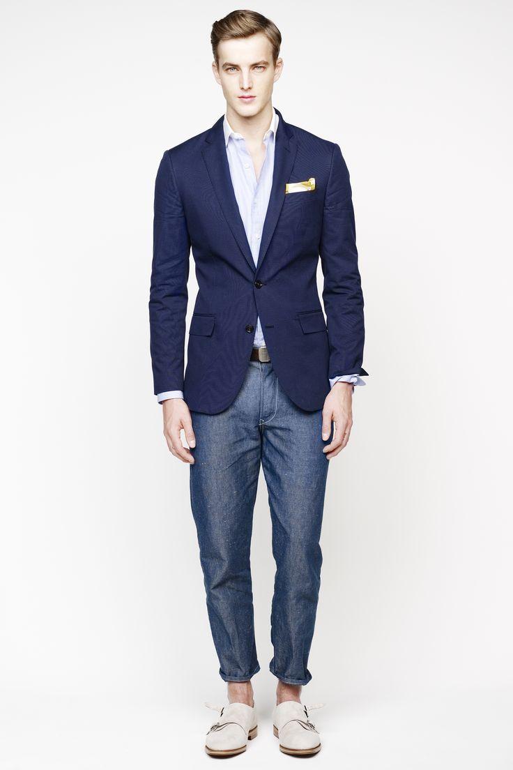 4 cách mặc bộ vest nam xanh navy