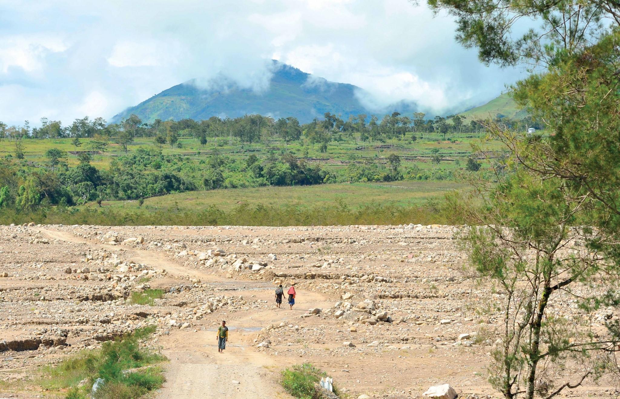 kinh nghiệm đi phượt qua vùng núi  Jayawijaya