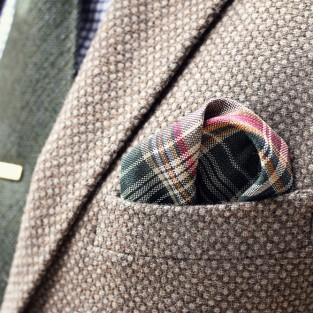 Chọn khăn pocket square cho áo vest nam thời trang
