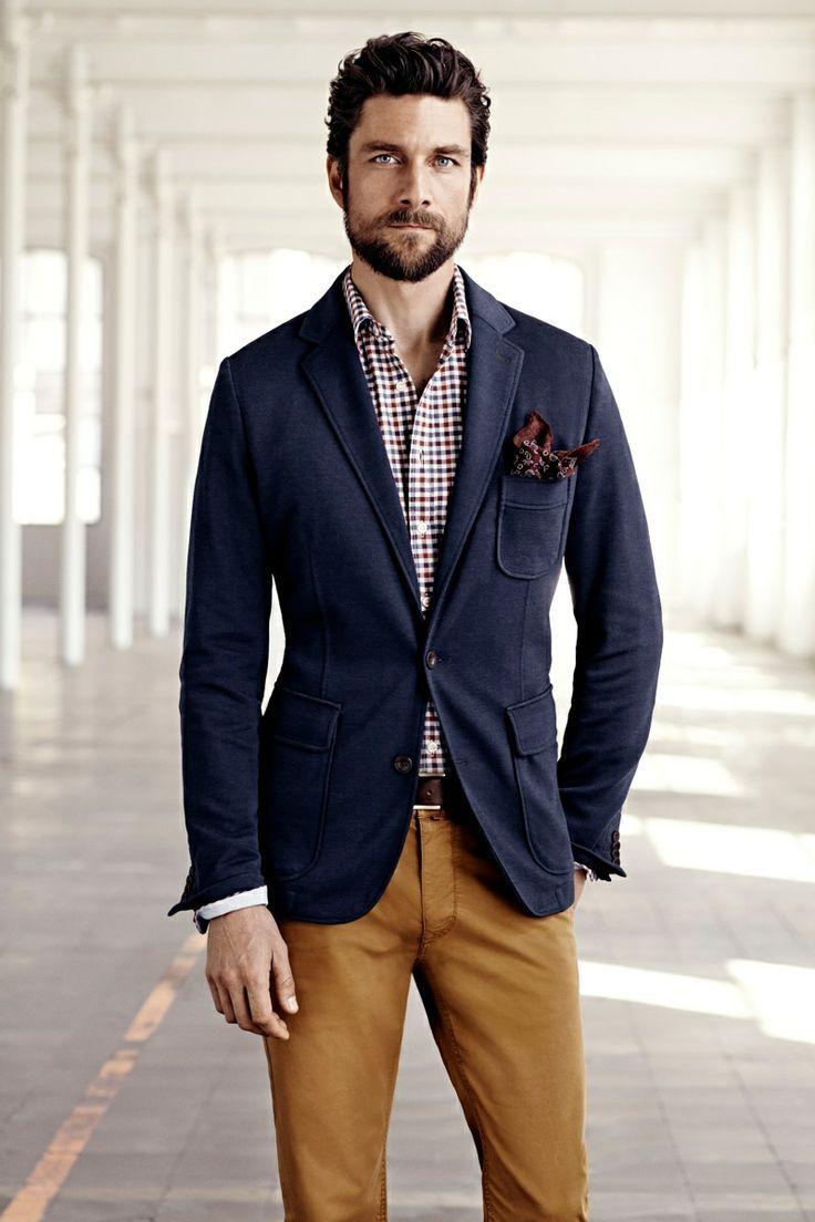 4 cách phối đồ với áo vest nam màu xanh-elle man8