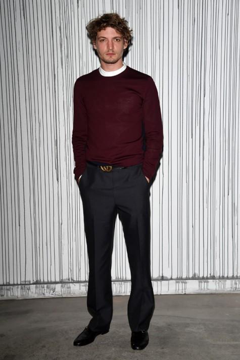 phong cách ăn mặc đẹp của Niels Schneider