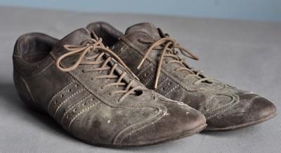 lỗi khi phối đố cho nam với giày cũ