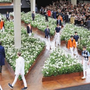 Sự xáo trộn có quy tắc của Dior Homme Xuân Hè 2016