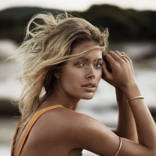 doutzen-kroes-on-the-beach