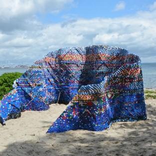 Sáng tạo nghệ thuật với 70,000 nắp chai