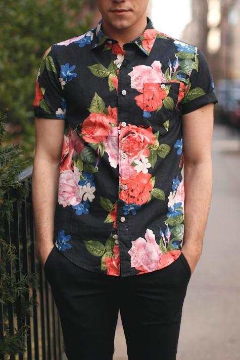 cách phối đồ cho nam áo sơ mi hoa