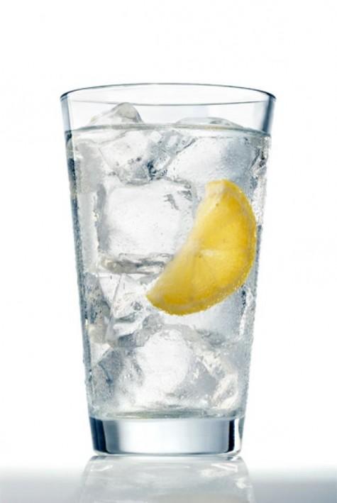 Uống nhiều nước sẽ đẩy mạnh hoạt động của bạch cầu và hỗ trợ quá trình thải độc của thận