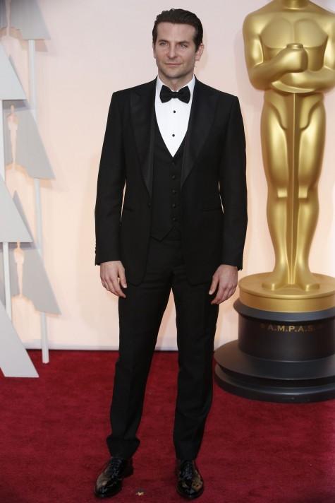 cach phoi do nam Bradley Cooper wear Salvatore Ferragamo