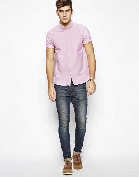 cách tạo phong cách nam tính với sơ mi hồng và jeans