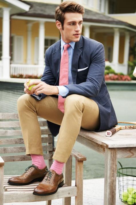 tạo phong cách nam tính với vớ màu hồng