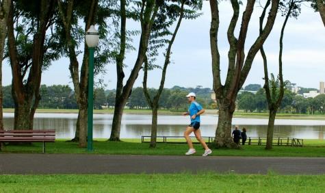 cách tập thể hình hiệu quả tại nhà chạy bộ