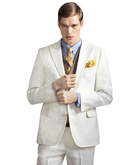 mặc áo vest nam thời trang với vest màu sáng