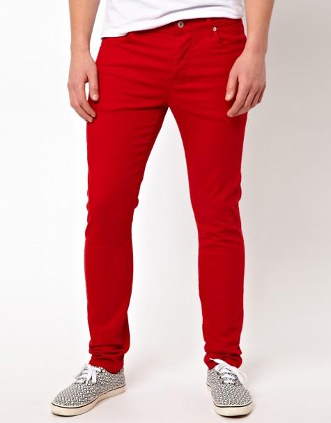 cách mix đồ nam với quần jeans màu đỏ
