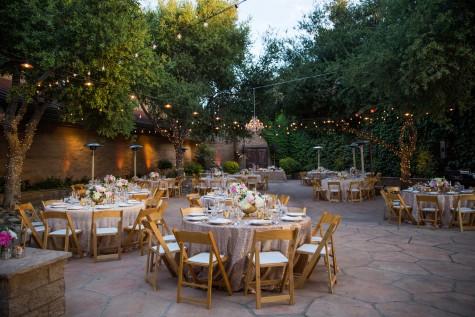 Tiệc cưới thân mật ấm cúng