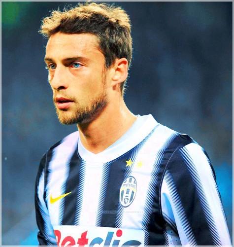 Claudio Marchisio trong bộ trang phục thi đấu quen thuộc của Juventus
