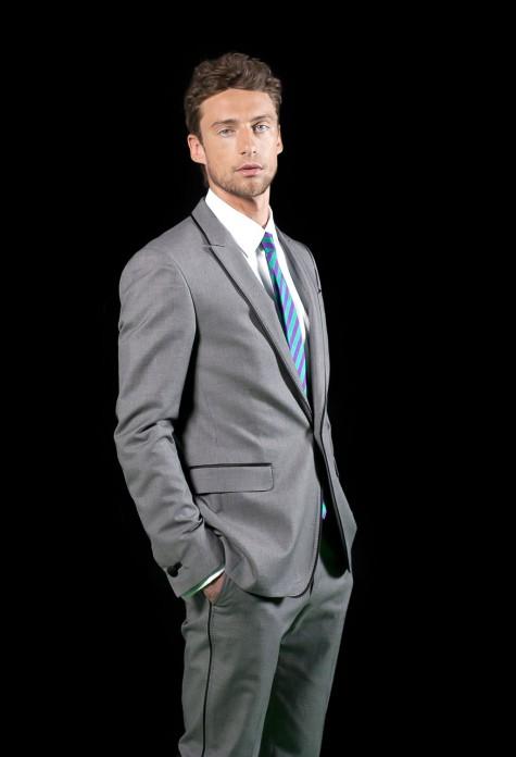 phong cách thời trang nam tính với vest màu xám Claudio Marchisio