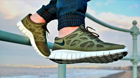 mua giày thể thao chạy bộ Nike