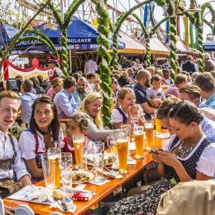 10 lễ hội bia rượu thú vị nhất thế giới