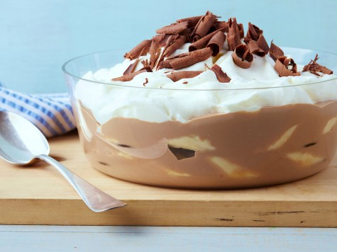 Ngoài uống sữa chocolate và ăn chuối theo cách đơn giản và tự nhiên, bạn có thể dùng chúng làm các món như pudding…