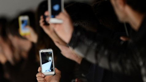 Ngày nay, mạng xã hội xuất hiện ở mọi nơi và sàn diễn thời trang không phải là ngoại lệ