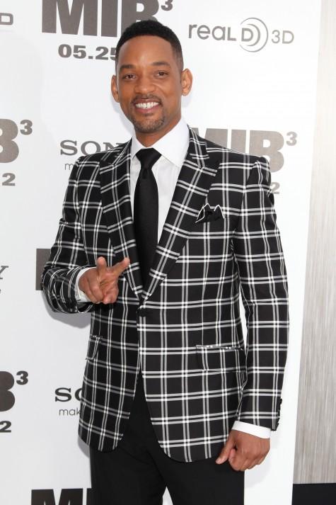 Will Smith mặc chiếc áo vest ca rô của Gucci cho buổi ra mắt Men in Black III tại New York