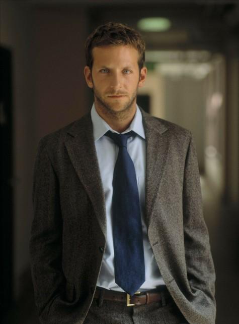 Với một bộ suit khác, nam diễn viên có thể thay đổi hình tượng của mình.