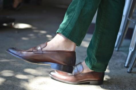 Giày da nên được ưu tiên lựa chọn cho những ngày thời tiết bất ổn