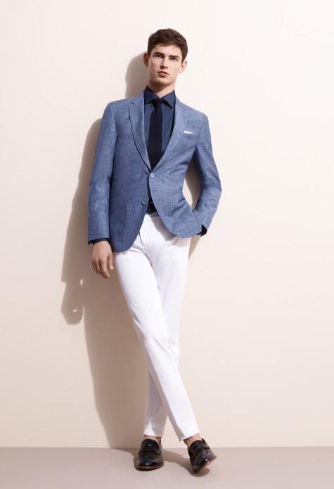 Bạn có thể kết hợp kiểu giày này với blazer và quần tây…