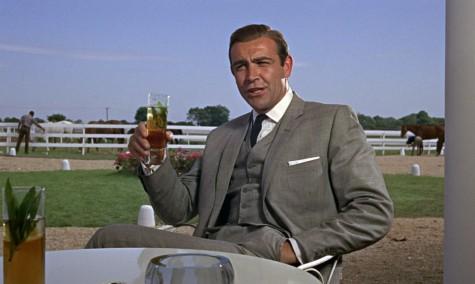 Sean Connery với suit 3 mảnh trong phần 3 của bộ phim