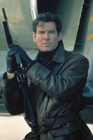 Áo da vốn được các diễn viên thủ vai James Bond mặc cuối những năm 80, nhưng đến những năm 90 nó càng phổ biến hơn.