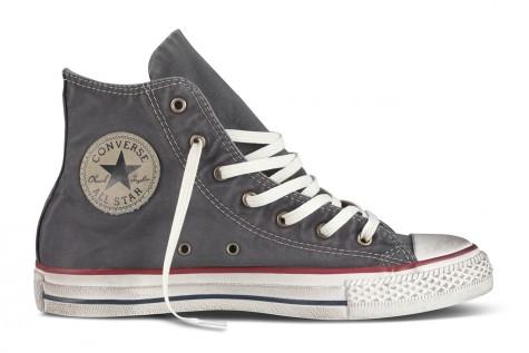 Giày vải Sneaker giúp bạn trở nên sành điệu