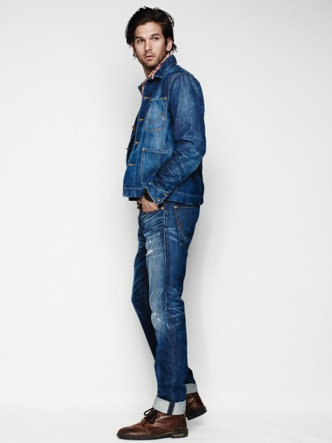 """Double denim"" kết hợp giữa quần jean và denim jacket..."