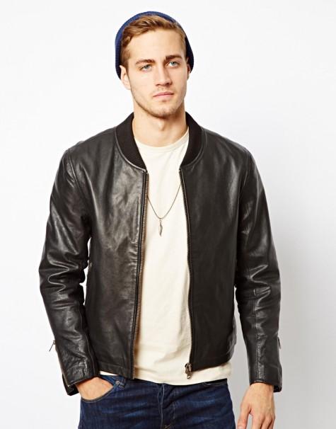 Bomber jacket da mạnh mẽ sẽ giúp bạn trở nên mạnh mẽ, phong trần hơn