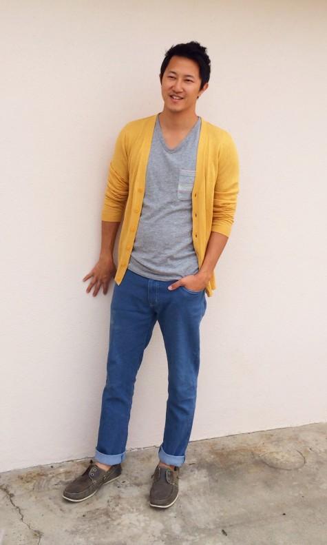 Ngoài ra cũng đừng quên những chiếc áo cardigan màu vàng mù tạt rất hợp với mùa thu