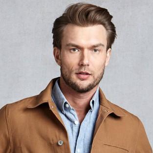 Cách phối màu quần áo với sắc nâu nam tính
