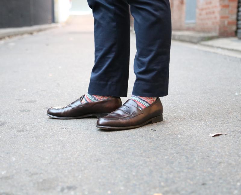 Một kiểu giày phù hợp cho thời trang công sở lẫn casual.
