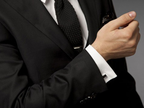 5 phụ kiện thời trang nam cơ bản đi cùng đồ Suit