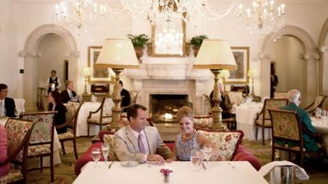Cách ăn uống lịch sự là một phần phong thái của quý ông