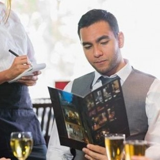 Cách ăn uống lịch sự nam giới nên chú ý khi dùng bữa