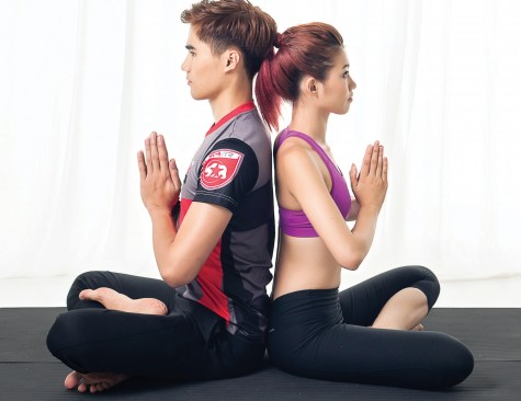 4 bài tập Yoga cơ bản cho cặp đôi
