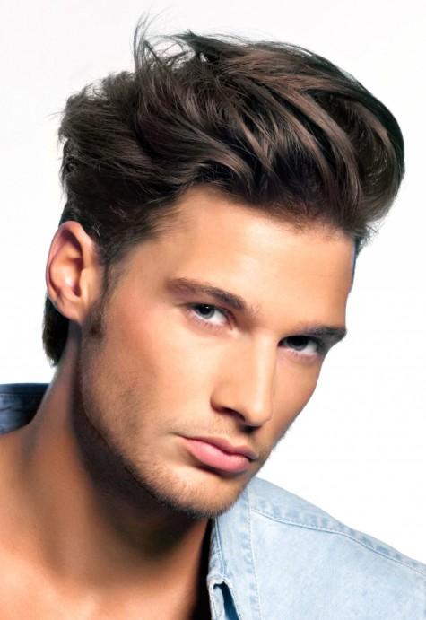 Mái tóc gợn sóng cần sự chăm chút hơn so với tóc thẳng