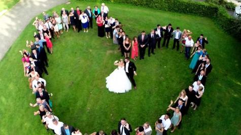 Một bức ảnh cưới được chụp bằng Drones.