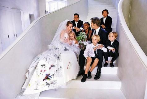 Ảnh cưới của đôi vợ chồng quyền lực nhất làng giải trí gây nên cơn sốt cho giới truyền thông