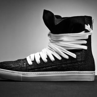 20 kiểu giày sneaker nam hot năm 2015 - Sản phẩm SuperYacht Kissing Laces của Krisvanassche - elleman.