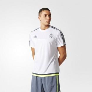 Trang phục lấy cảm hứng từ đội Real Madrid