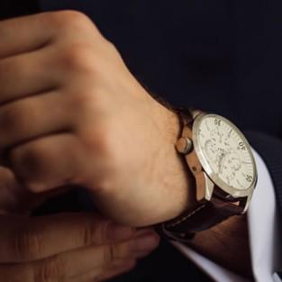 5 mẫu đồng hồ da nam cực đẹp có giá không quá 250 USD